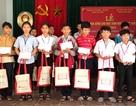 Học sinh nghèo Quảng Bình nhận học bổng từ tổ chức Đài Loan