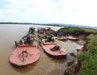 Bắt 4 tàu khai thác cát lậu, yêu cầu đổ toàn bộ cát trả lại dòng sông