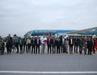 Vietnam Airlines đón khách quốc tế đầu tiên đến Hà Nội và TPHCM trong năm 2019