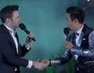 Nguyên Khang hạnh phúc bắt tay trưởng nhóm Westlife mừng năm mới tại Việt Nam