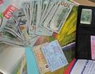 Hành khách may mắn nhận lại 60 triệu đồng quên trên chuyến tàu cuối năm