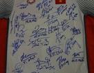 Đấu giá bóng và áo đấu của  đội tuyển Việt Nam tặng Thủ tướng Nguyễn Xuân Phúc