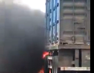 Xe container bốc cháy khi vừa rời cảng Quy Nhơn vài trăm mét