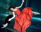 Kỷ lục nhảy múa dưới nước không đeo mặt nạ oxy… lâu nhất thế giới