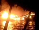 2 tàu cá bất ngờ cháy rụi trong đêm