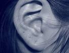 Cô gái mắc bệnh không nghe được giọng nói của đàn ông