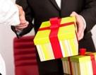 Hà Tĩnh nghiêm cấm tặng quà cấp trên dưới mọi hình thức