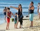 Triệu phú Simon Cowell đưa bạn gái kém 18 tuổi đi nghỉ mát ở Barbados