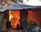 Cháy lớn thiêu rụi hơn 10 phòng trọ