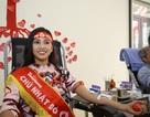 Hoa hậu Trần Tiểu Vy, cầu thủ Đình Trọng, Văn Quyết kêu gọi hiến máu tình nguyện