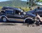 Ô tô mất lái lật ngửa trên cao tốc, 2 người thương vong