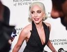 Lady Gaga quyến rũ với váy xẻ sâu