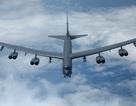 """Bên trong buồng lái """"pháo đài bay"""" B-52H Mỹ diễn tập cảnh báo hạt nhân"""