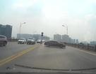 Hà Nội: Xử phạt nữ tài xế quay đầu xe ô tô trên cầu Vĩnh Tuy