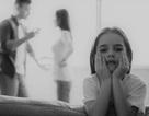 Một đứa trẻ thiếu thốn tình cảm, sự quan tâm của cha mẹ dễ trở nên như thế nào?