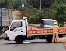 """Vụ xe gỗ lậu tông CSGT: Thay đổi tội danh sang """"giết người"""""""