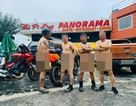 """Facebook """"dậy sóng"""" vì 4 người đàn ông khỏa thân tạo dáng tại Mã Pì Lèng Panorama"""