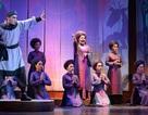 """Nhà hát Lớn Hà Nội chật kín khán giả xem """"Ngàn năm mây trắng"""""""