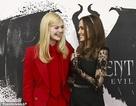 Angelina Jolie tươi tắn bên đồng nghiệp trẻ
