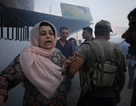 """Tấn bi kịch của những người Syria trúng """"bom rơi, đạn lạc"""" giữa chiến sự leo thang"""