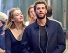 Liam Hemsworth đã có bạn gái mới
