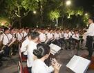 Chuyện những chiến sỹ Công an ôm kèn tấu nhạc phục vụ người dân ở Hồ Hoàn Kiếm