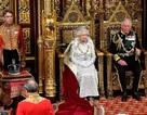 Nữ hoàng Anh phá lệ, không đội vương miện trong sự kiện quan trọng
