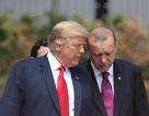 """Ông Trump khuyên Tổng thống Thổ Nhĩ Kỳ đừng """"cứng đầu"""""""