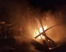 Tàu cá bốc cháy sau tiếng nổ, 3 tỷ đồng ra tro