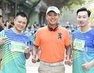 Tự Long, Thành Trung hào hứng thi chạy ở Hồ Gươm