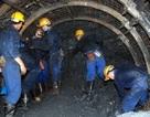 Một công nhân tử vong trong hầm lò, do bị đá văng trúng người