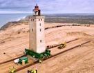 """Đan Mạch chi 750.000 USD """"bê"""" ngọn hải đăng khỏi bờ biển sụt lún"""
