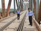 """Bộ Giao thông nói gì về nguy cơ thảm hoạ trên cây cầu """"độc nhất vô nhị"""" tại Bắc Giang?"""
