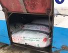 Bắt giữ xe khách vận chuyển 400kg mỡ động vật không nguồn gốc