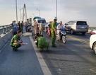 Hai xe máy va chạm trên cầu Rạch Miễu, một phụ nữ tử vong tại chỗ