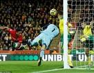 Thủ môn Norwich tỏa sáng trước Man Utd là chuyên gia bắt phạt đền