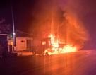 Xe chở 14 tấn sắt bị lửa thiêu rụi trên quốc lộ