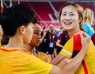 Nữ cầu thủ U19 Trung Quốc bị cấm thi đấu vì… tô son