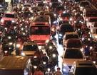 Hà Nội: Mưa lạnh trút xuống đúng giờ tan tầm, đường phố ùn tắc kinh hoàng