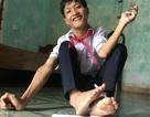 Chàng trai 22 tuổi học lớp 8 viết ước mơ bằng đôi chân