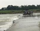 Xã cấm đò, người mẹ trẻ tử nạn khi cố vượt sông thăm con