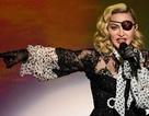 Madonna bị fan kiện vì bắt đầu đêm diễn quá muộn