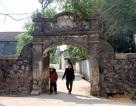 Bài 2: Loay hoay giữ cổng làng