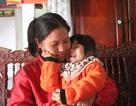Người phụ nữ không chồng và 2 đứa trẻ bị bỏ rơi