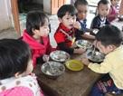 """Loay hoay lo bữa ăn học trò trong """"cơn bão"""" thực phẩm bẩn"""
