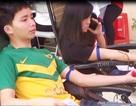 Sinh viên Lào hiến máu tình nguyện ở Việt Nam