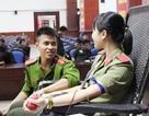 Tuổi trẻ công an Nghệ An hiến máu cứu người bệnh