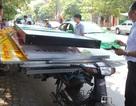 Va quệt rồi bỏ chạy, xe máy kéo xe tự chế bị nhiều taxi truy đuổi