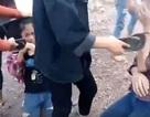 Vụ nữ sinh bị dùng dép tát vào mặt: Gia đình không dám xem lại clip lần thứ 2