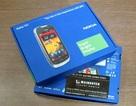 """""""Đập hộp"""" điện thoại màn hình siêu sáng của Nokia tại VN"""
